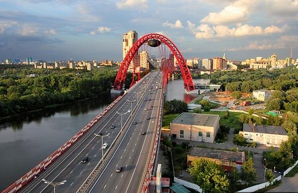 Живописный мост в Серебряном бору. Москва.