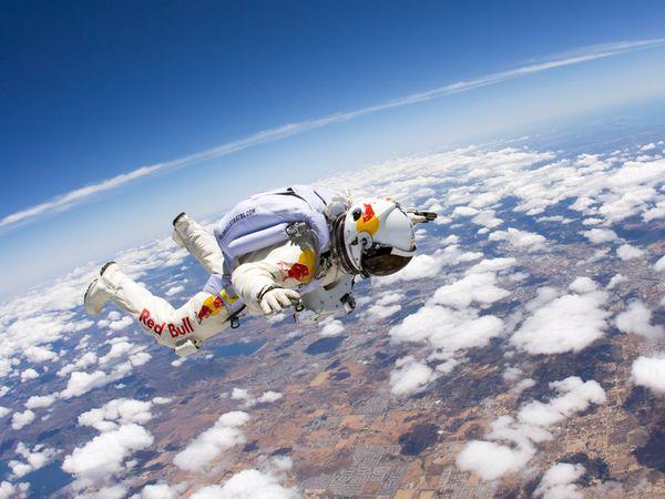 Феликс Баумгартнер. Прыжок из стратосферы.
