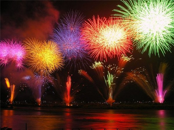 Новогодний фейерверк от KUKMARA