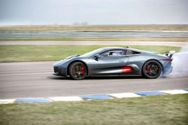 Аэродинамичный дизайн и высокие скоростные качества