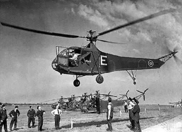 Вертолёт Сикорского R-4 «Ховерфлай».