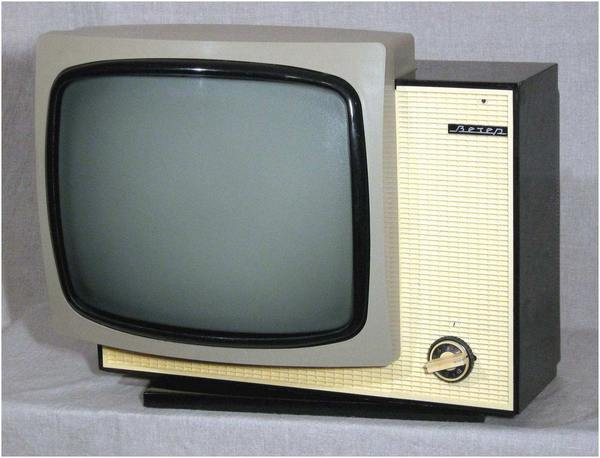 Телевизор Вечер
