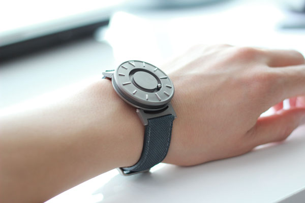 Часы Bradley с магнитным автоподзаводом
