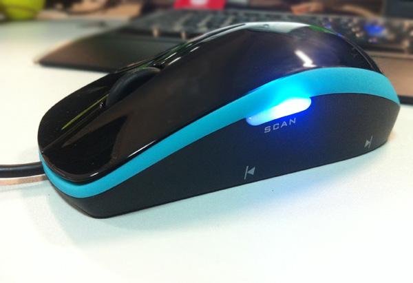 IRIScan Mouse: маленькая, а такая способная...