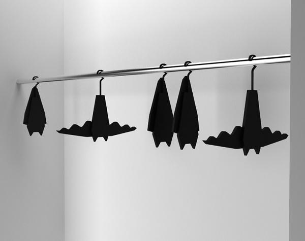 Бэт-вешалка для одежды от Veronika Paluchova