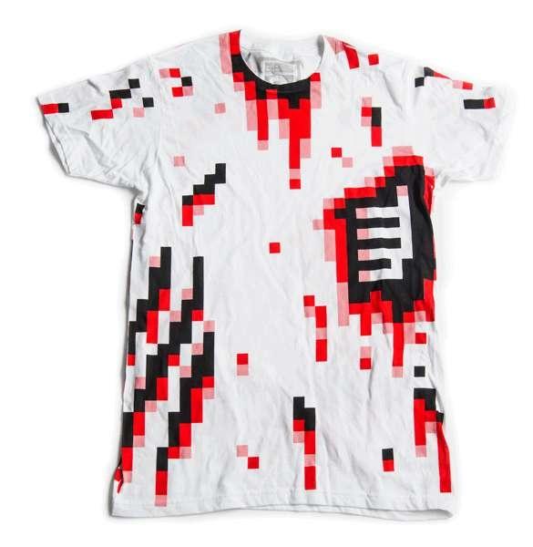 'Залитая  кровью' футболка 8-Bitty Pixelated Shirts - прикольный аксессуар для Хэллоуина, который можно надеть в любой другой день