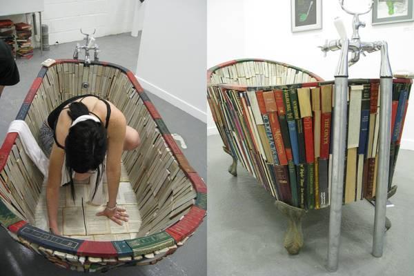 Ванна из книг от Vanessa Mancini