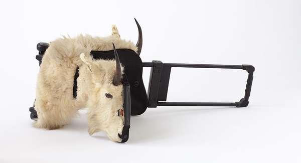 Сумка-антилопа из коллекции 'Carnage II 7000' от Carlee Fernandez