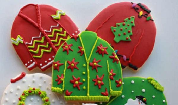 Рождественское печенье в виде теплых свитеров