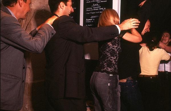 Dans le Noir - необычный тематический ресторан с сюрпризами