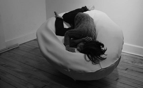 Лежак-'яйцо' от Filipa Tomaz