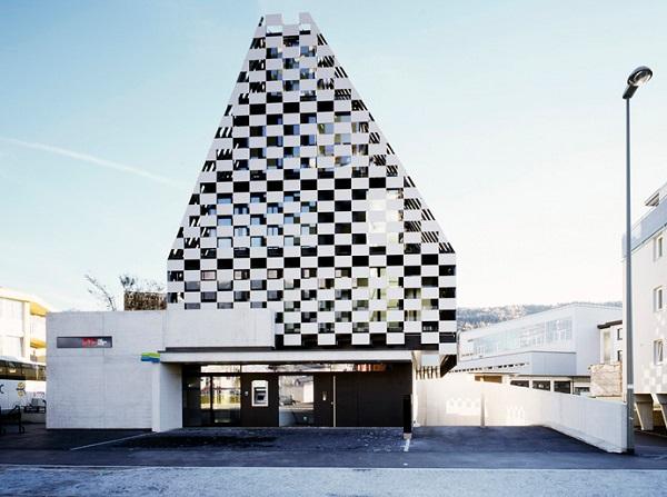 Необычное здание European bank BTV в Австрии