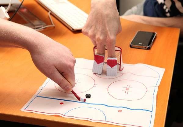 Пальчиковый хоккей, в который можно играть в офисе