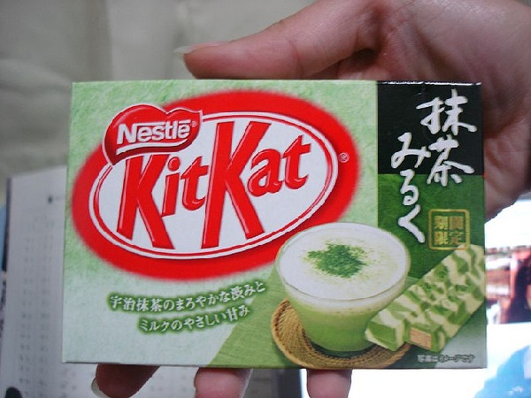 Kit-Kat Green tea and milk из 'японской' серии Nestle