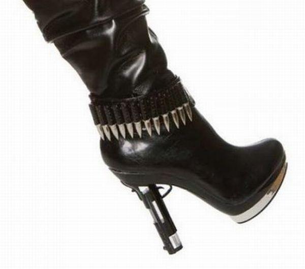 Оригинальная зимняя обувь для тех, кто любит быть во всеоружии