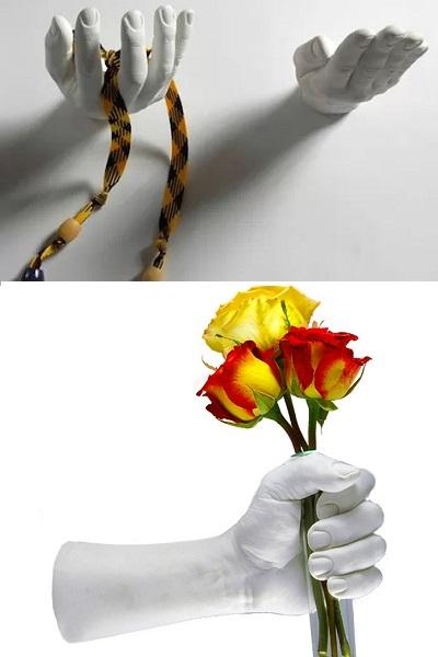 Вешалки Hang Up Coats - идея оригинального настенного декора, готового протянуть руку помощи