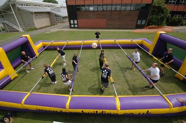 Human Table Football - 'оживший' настольный футбол