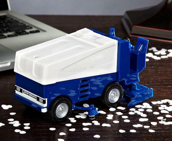 'Снегоуборочная машина'  Zamboni Desk Vacuum – пылесос для рабочего стола