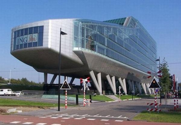 Необычное здание банка ING House Bank в Амстердаме