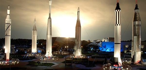 John F. Kennedy Space Center - один из самых выдающихся космодромов, вынужденный бороться со стихиями