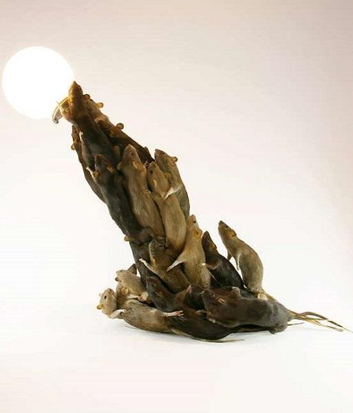 Лампа из мышей от Alex Randall