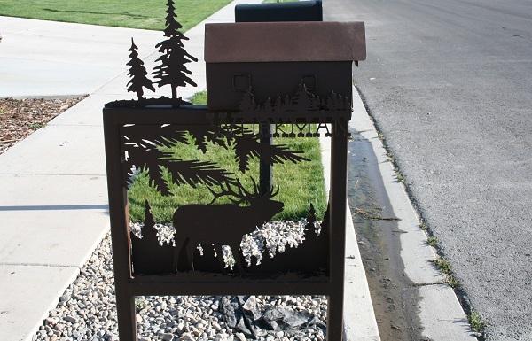 Креативно оформленный почтовый ящик-'картина'