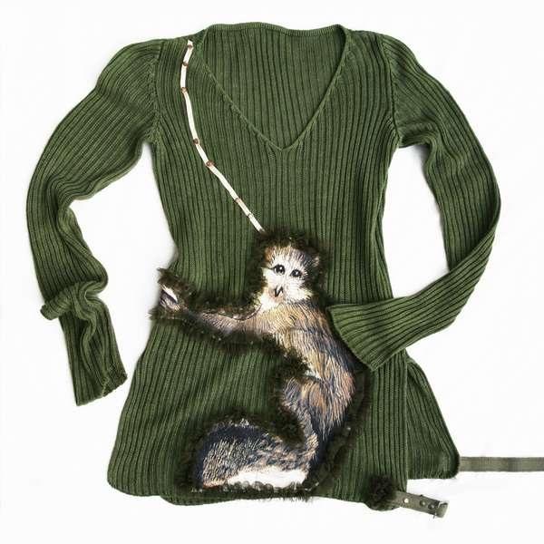 Теплый дизайнерский свитер с дружелюбной обезьянкой от Attiladesigns