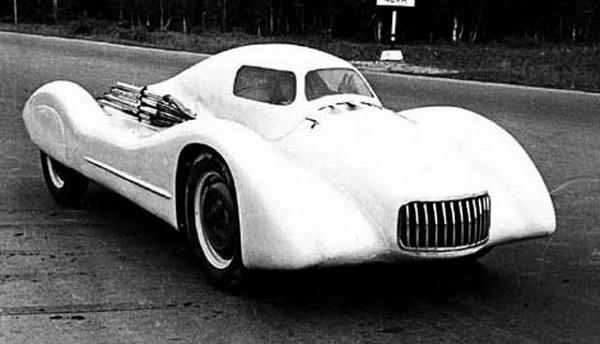 Гоночная модель 407-Г2 - редкий автомобиль марки 'Москвич' 1956 года выпуска
