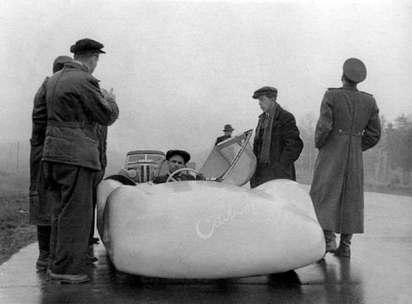 'Салют' 1950 года выпуска - редкий автомобиль марки 'Москвич'