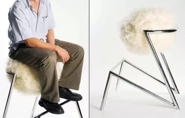 Ostrich Barstool - табурет-'страус', согревающий в холодную пору