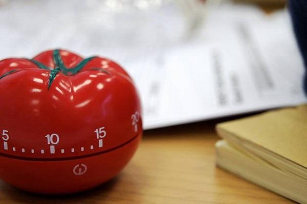 Кухонный таймер-'томат' от Francesco Cirillo