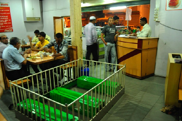 Необычный ресторан индийский New Lucky