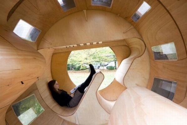 Узкий модульный дом Rollit Home от немецких дизайнеров