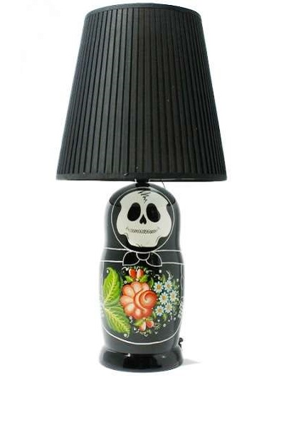 Лампа-скелет матрешки от японского магазина Zozograndh
