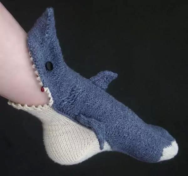 Кровожадные Shark Socks - необычные носки для  согрева ног и хорошего настроения