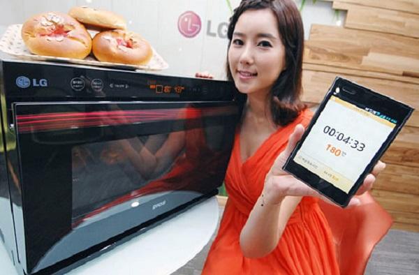 Микроволновка LG Lightwave Oven, которой можно управлять со смартфонов