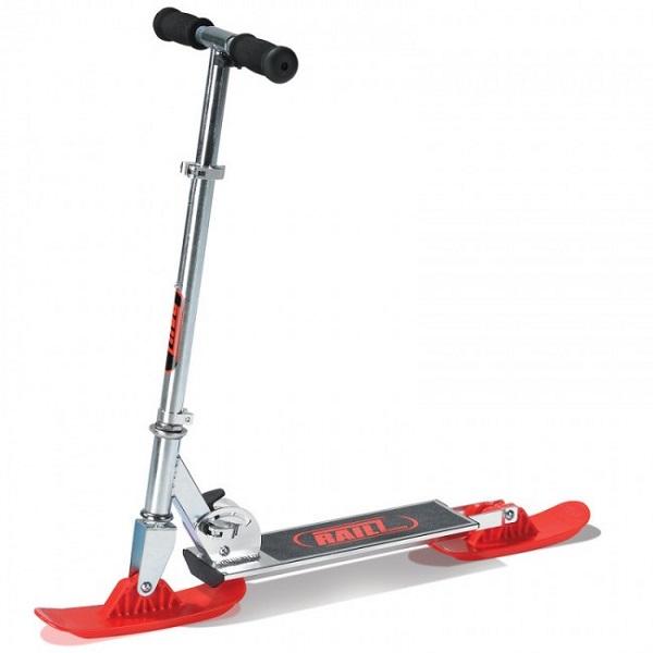 Snow scooter – 'сноуборд-самокат' для зимних игр на свежем воздухе