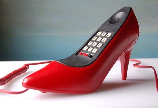 Телефон в форме туфли от Stephen Colbert