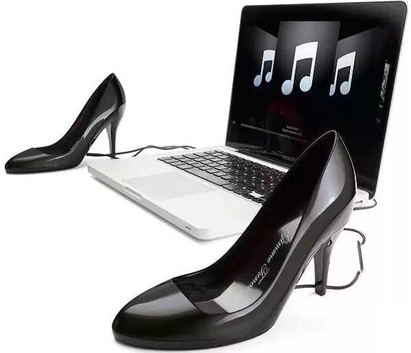 Музыкальные колонки в форме туфель Gimme Tunes
