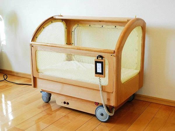Suima robotic crib – роботизированная кроватка для самых маленьких