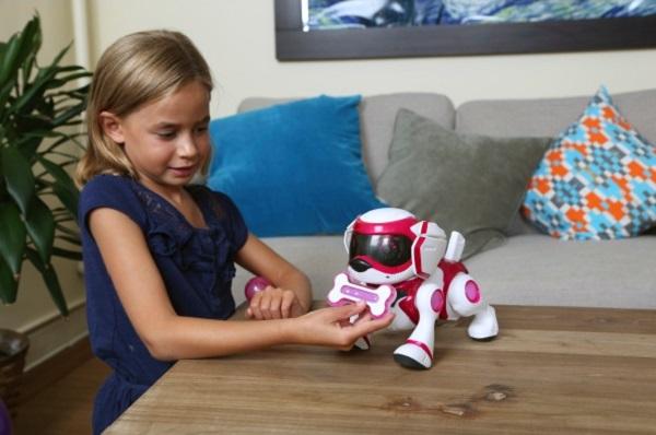 Робот-щенок Teksta puppy отлично поддается дрессировке