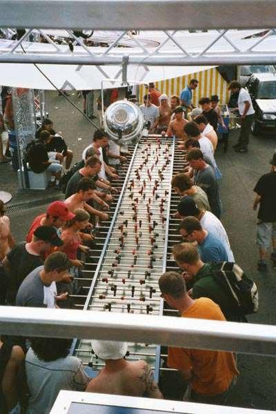 Самый длинный в мире 'футбольный стол' от амстердамского пивовара Amstel