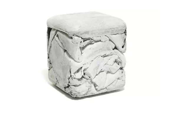 Trash Cube - кубический табурет из бетона от Nicolas Le Moigne