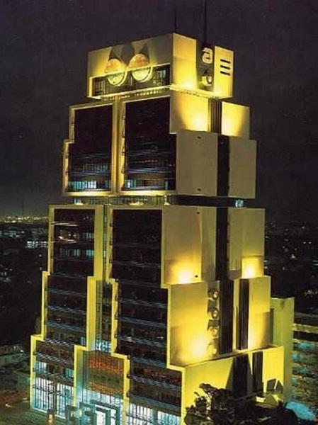 Необычное здание бангкокского банка Bank of Asia