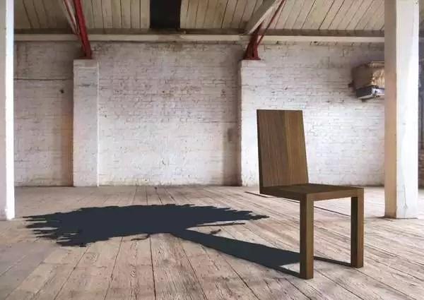 Двуногий стул Walnut Tree Shadow Chair - оптическая иллюзия в работе дизайнеров из duffylondon
