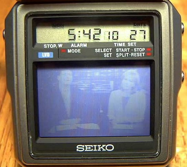 Ретро-модель часов-телевизора TV-Watch Seiko для телезрителей со шпионскими наклонностями