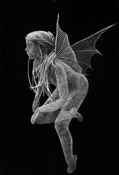 Скульптура из проволоки от Derek Kinzett