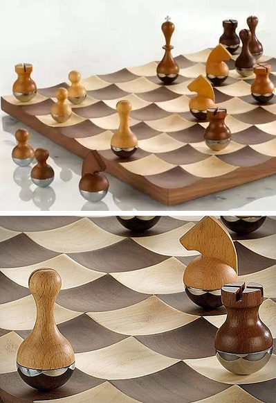 Wobble Chess Set - шахматы-'неваляшки' от Adin Mumma