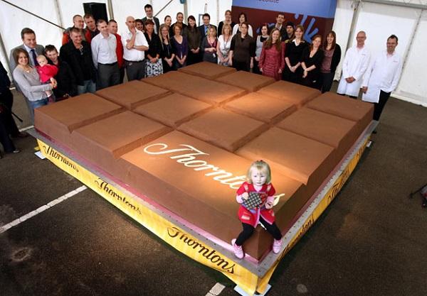 Самая большая в мире плитка шоколада, попавшая в Книгу рекордов Гиннеса в 2011 году