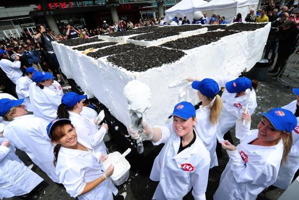 Самый большой в мире торт-мороженое, попавший в Книгу рекордов Гиннеса в 2011 году